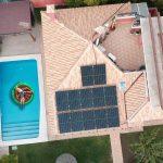 Paneles solares para piscina: Consumo eléctrico de piscinas y consejos de ahorro.